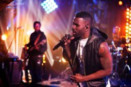 Jason Derulo Warms Up the Winter Blues With 'Wiggle' Guitar Center Session