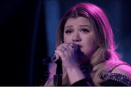 Kelly Clarkson Brings Keith Urban to Tears on 'American Idol' With 'Piece By Piece' Performance