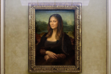 will-i-am-mona-lisa-smile-music-video-nicole-scherzinger-louvre-watch