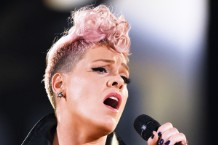 pink-super-bowl-national-anthem-1515426560