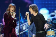 the-rolling-stones-play-wild-horses-with-florence-welch-in-london-watch