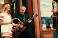 """Video: John Prine – """"Knockin' on Your Screen Door"""""""