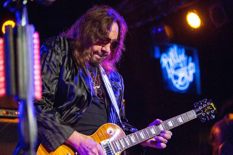 kiss-perform-with-ace-frehley-first-time-in-17-years-watch