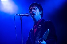 """johnny marr """"This charming man"""" the smiths concert video"""