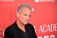 """Lindsey Buckingham Is Down to Rejoin Fleetwood Mac, Calls Current Group a """"Cover Band"""""""