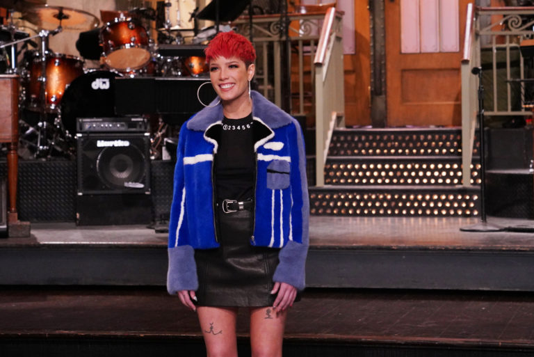 halsey-performs-eastside-without-me-snl-watch
