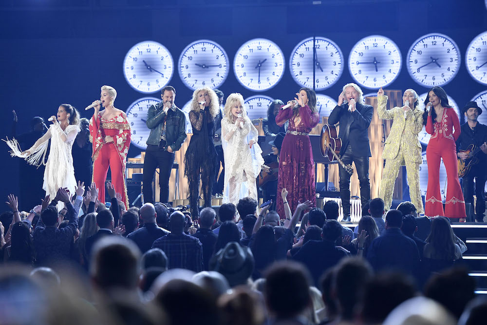 Grammys 2019 Watch The Tribute To Dolly Parton Spin