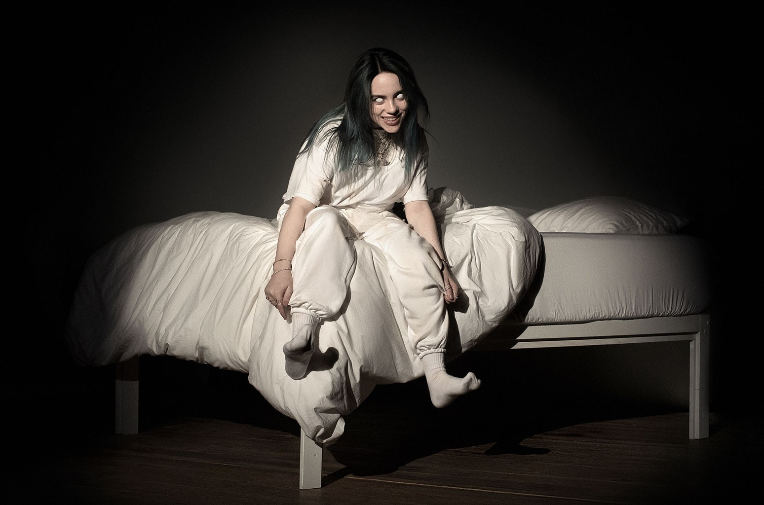 billie-eilish-when-we-all-fall-asleep-where-do-we-go-debuts-at-no-1-billboard-200-albums-chart