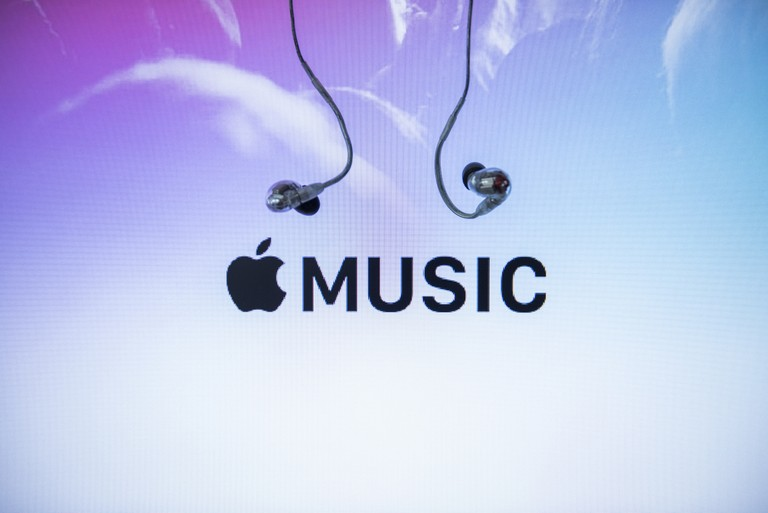 apple-music-now-has-more-paid-u-s-subscribers-than-spotify-report