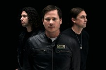 "Angels & Airwaves Release ""Rebel Girl,"" Announce Tour"
