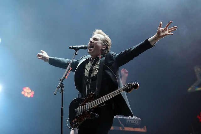 franz-ferdinand-debut-new-song-black-tuesday-in-porto-watch