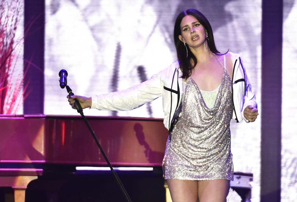 Lana Del Rey Teases New Song Norman Fucking Rockwell Spin