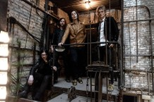 The-Raconteurs-2-Cropped-1560271868