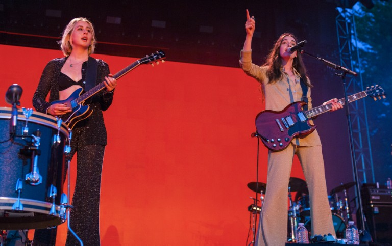 haim-cover-paula-cole-i-dont-want-to-wait-where-have-all-the-cowboys-gone-pitchfork-music-festival-2019