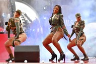 "Watch Megan Thee Stallion Perform ""Hot Girl Summer"" at the 2019 VMAs"