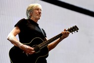 """Rogers Waters Plays Pink Floyd's """"Wish You Were Here"""" at Julian Assange Rally"""
