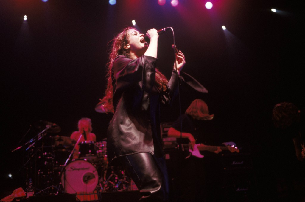 Alanis Morissette's Dark New Single 'Reckoning' Takes on 'Predators and Prey'