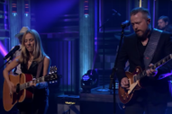 "Watch Sheryl Crow and Jason Isbell Cover Bob Dylan's ""Everything Is Broken"" on <i>Fallon</i>"