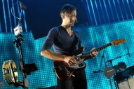 "Radiohead's Ed O'Brien Drops ""Shangri-La"" Off New Solo Album <em> Earth </em>"
