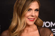 Rita Wilson raps 'Hip Hop Hooray' while in quarantine