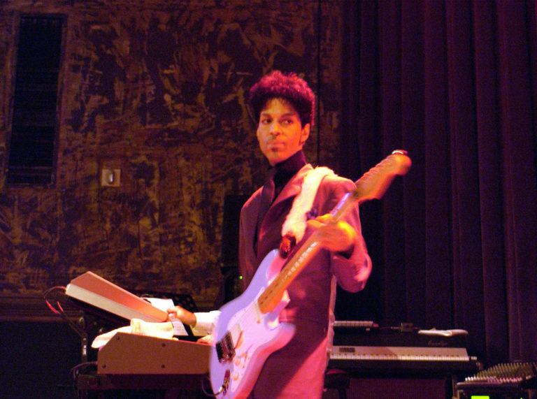 Prince Plays a Surprise Concert in Support of his New DVD