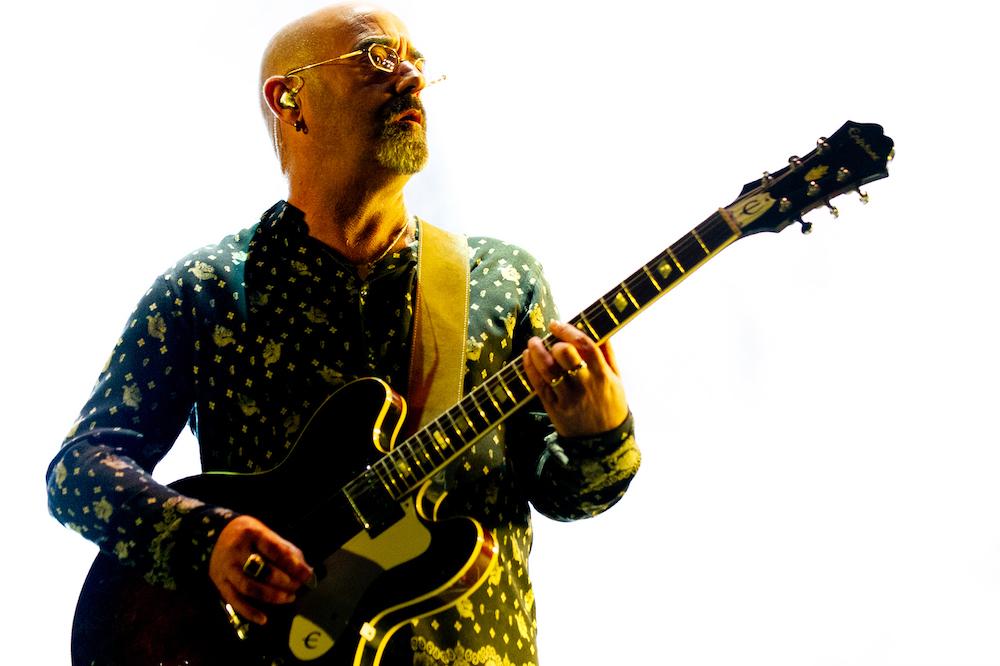 Bonehead calls for Oasis reunion