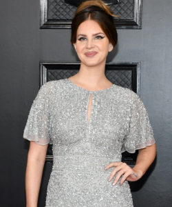 Lana Del Rey Defends Herself For Defending 'Controversial Post'