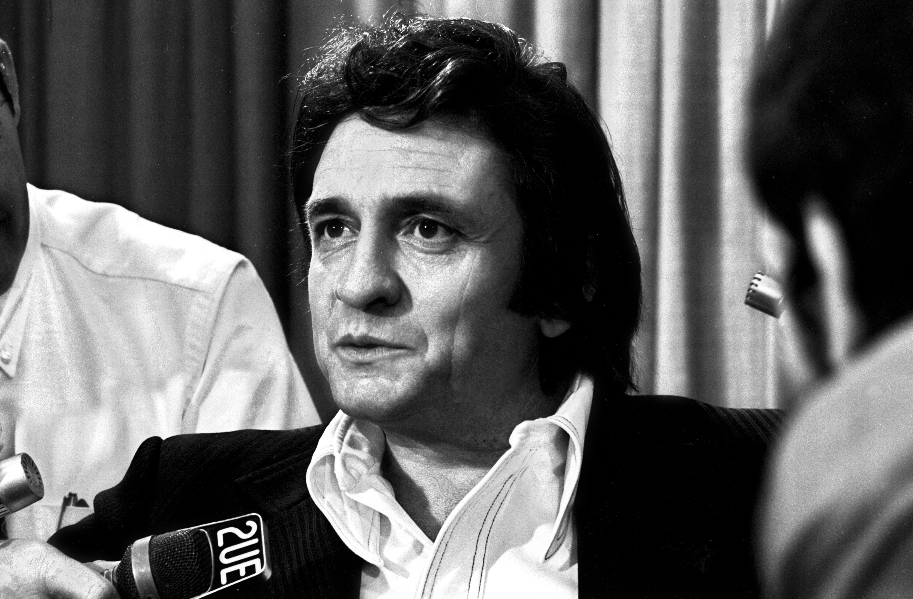 Johnny Cash and his wife June Carter arrived in Australia with their son John carter Cash on