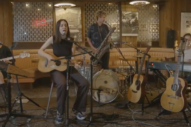 Haim Celebrate <i>Women in Music Pt III</i> Release in Deli Show Livestream