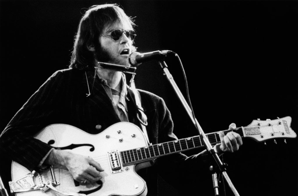 Neil Young Shares Original Version of 'Wonderin'