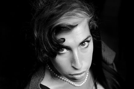 110725-amy-winehouse-1.png