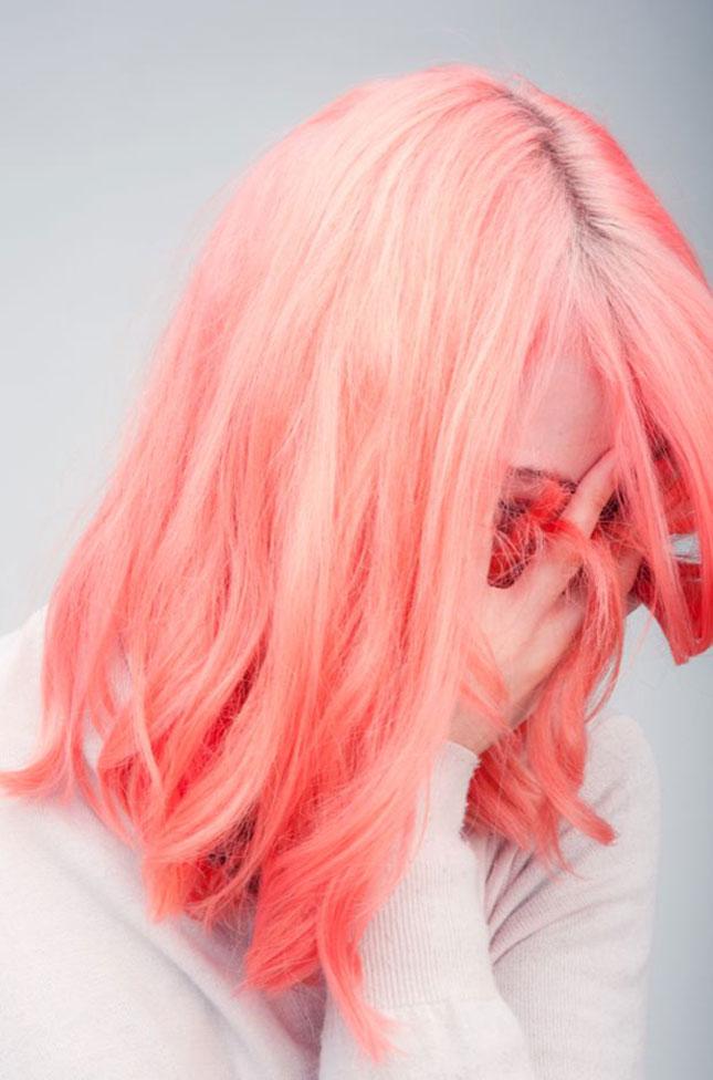 Salmon Colored Herringbone Blazer: 15 Pretty Pastel Hairstyles To Try This Summer