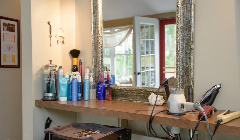 Bladez Hair Salon   Wareham MA