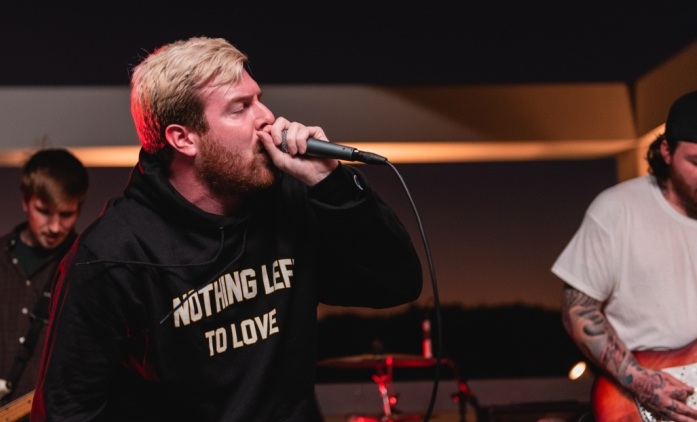"Watch Counterparts' Live Performance of ""Love Me"" & ""Wings of Nightmares"""
