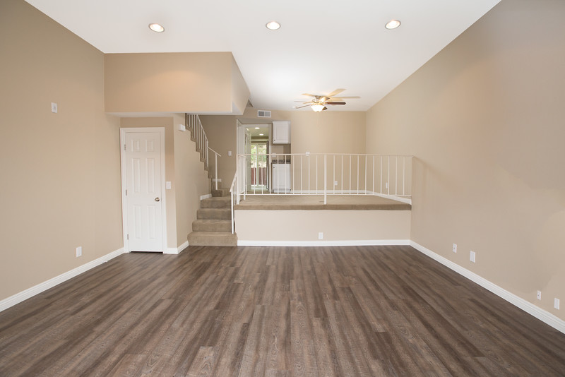 BEAUTIFULLY REMODELED SOUTH REDONDO BEACH TOWNHOME - MOVE IN BONUS