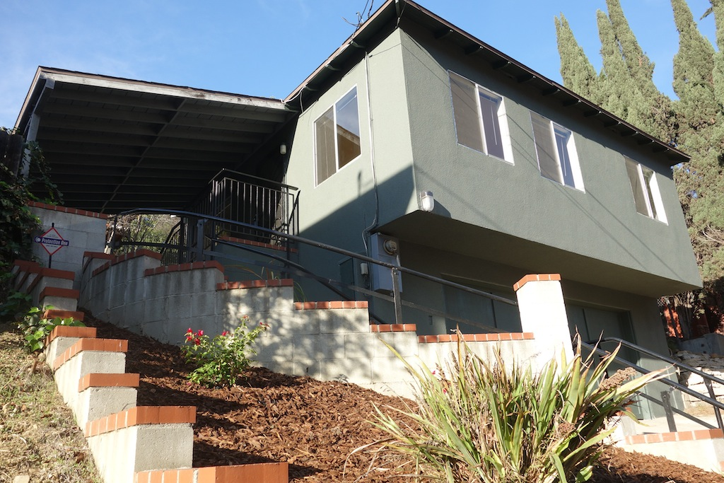 Beautiful Home in Hills of Mt. Washington | Sunny Home w/Massive Yard & Two Car Garage
