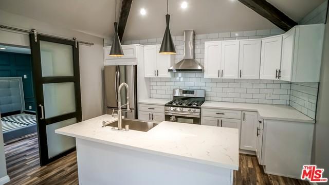 Modern Retreat | Duplex | Montecito Heights | NELA |Bonus Room| Washer & Dryer in unit