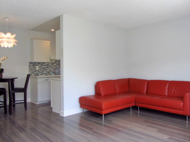 Super Sleek, Renovated Mid-Century 2 Bed - Cool, Modish Finishes - Great Location