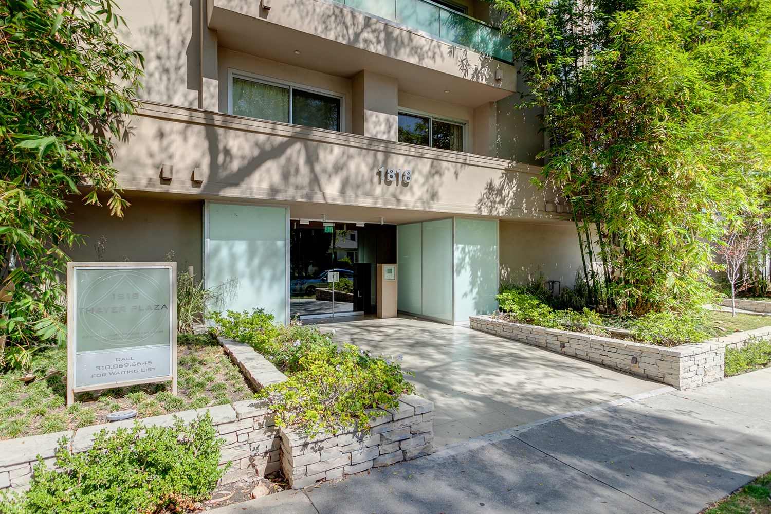 Chic FURNISHED, Pet-Friendly 2BD West LA Condo Available for Short-Term Stays!