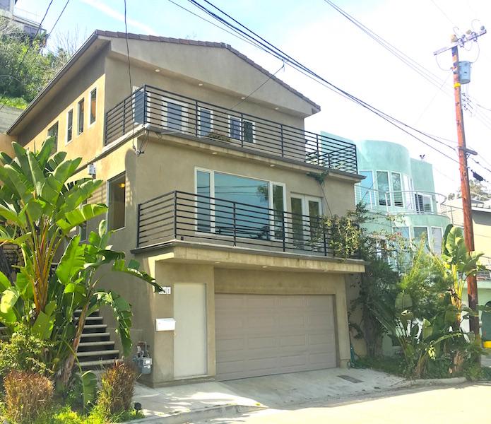 Contemporary Hilltop Home