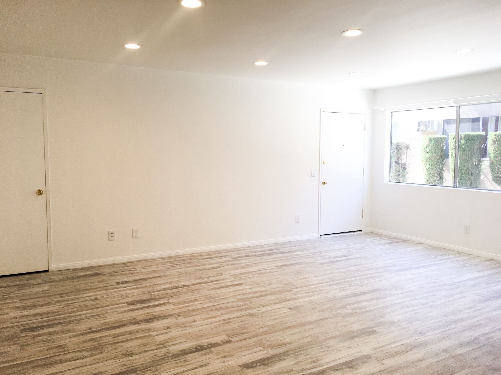 Bright & Breezy Garvanza Apt | Completely Remodeled | AC |Parking | Highland Park