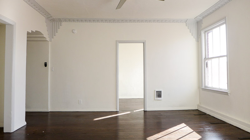 Deco Chic! Gorgeous, Renovated, Large Studio - - Beautiful Deco Touches - Stainless Kitchen - Great Location!