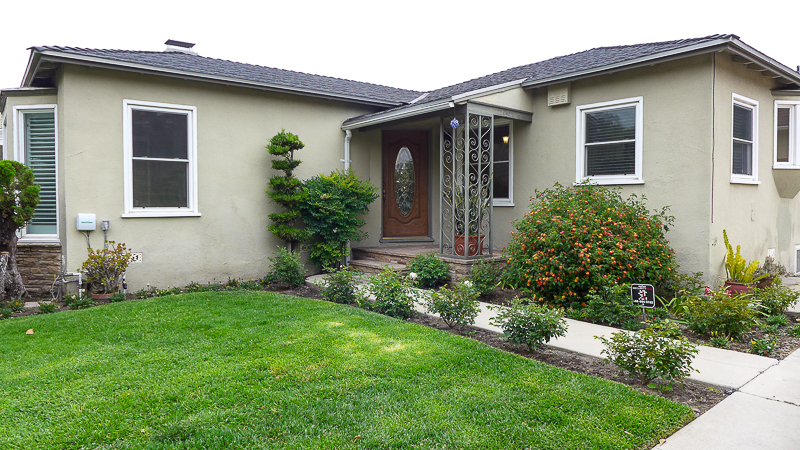 Gorgeous! Completely Remodeled, 2 Bedroom Home. Huge Bonus Room- Grassy Backyard