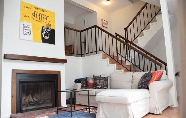 Bright and Airy Three story townhouse with community pool for summertime fun