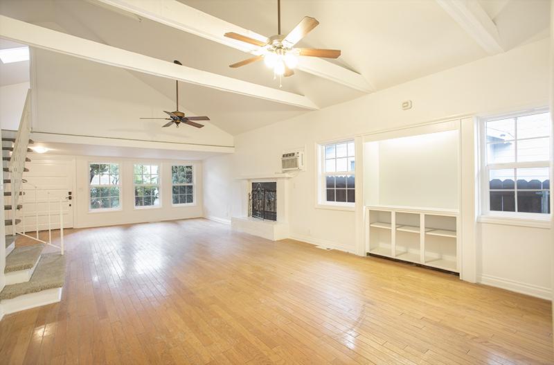 Beautifully Renovated Craftsman Home | 2 Bed PLUS 2 bonus rooms| Private Front Yard | Prime Location in Los Feliz!
