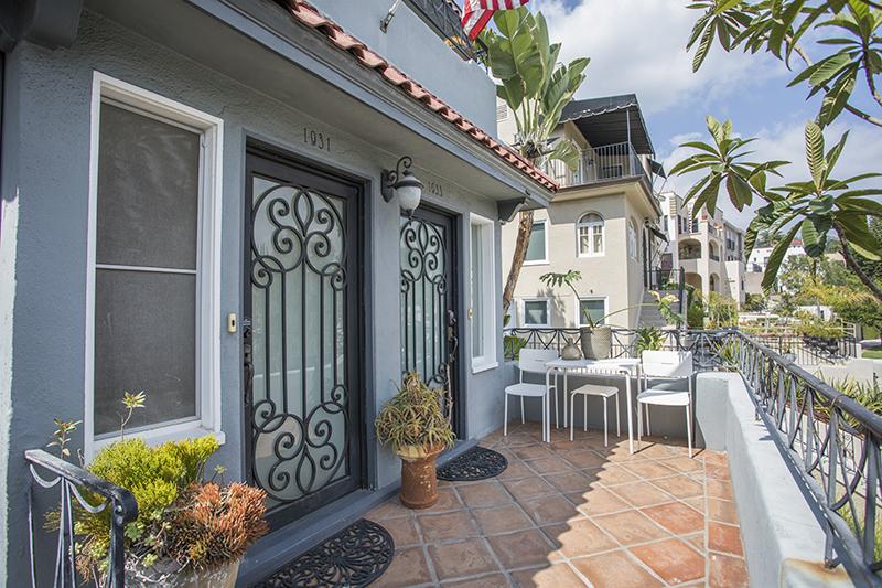 Sunny and Spacious Duplex | Retro Kitchen | Luscious Backyard | 1 Car Garage