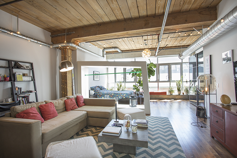 STUNNING TURN-KEY FURNISHED ARTS DISTRICT LOFT | ALL INCLUSIVE | POOL & GYM W/ CITY VIEWS | 6 MONTH LET