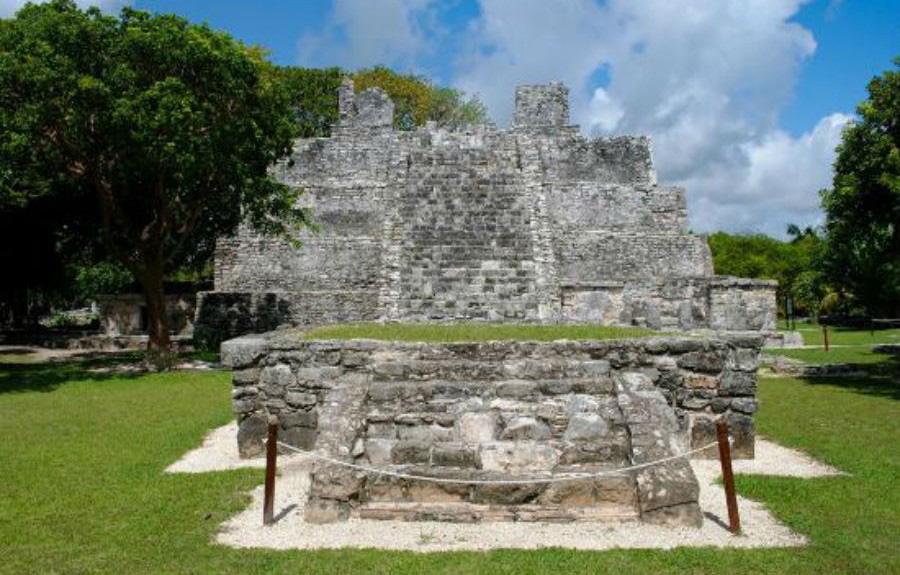 Yacimiento-arqueologico-El-Meco-cancun