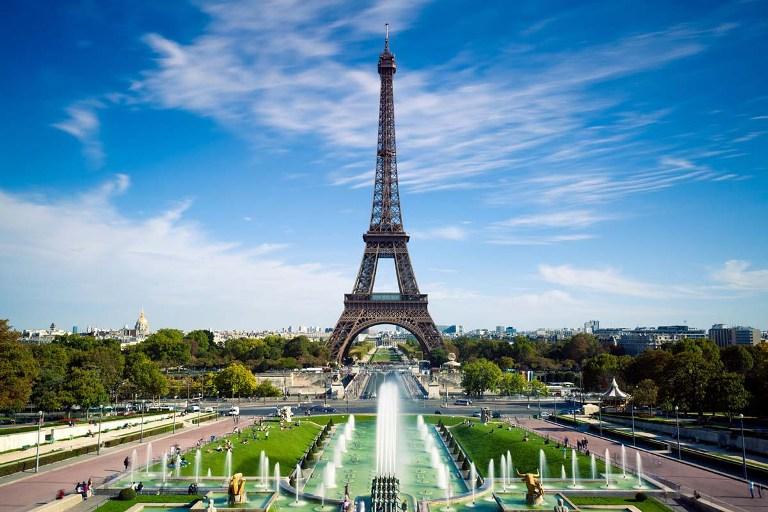 1. Torre Eiffel