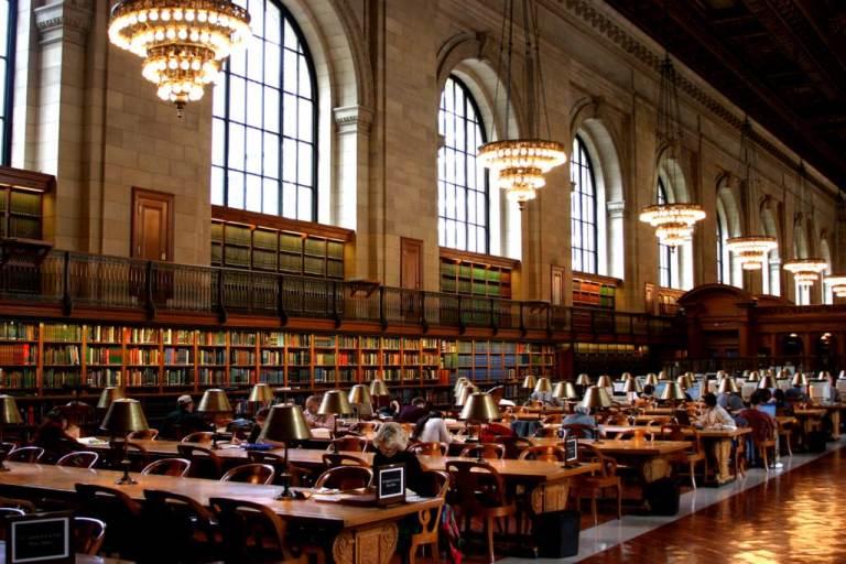 10. Visitar la Biblioteca Nacional